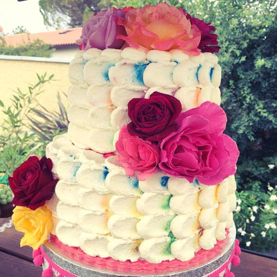 Gâteau mariage fleuri Esquimo et Pinata