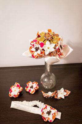 Collection Alice. Mini bouquet baptême et accessoires (bandeau, barrette marraine, boutonnière parrain). Bouquet éternel en tissu. Oursons, rose, orange, blanc et or