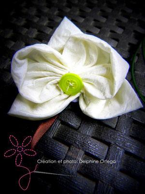 Bracelet de mariée ou demoiselle d'honneur original et éternel, orchidées en tissu. Thème asiatique zen