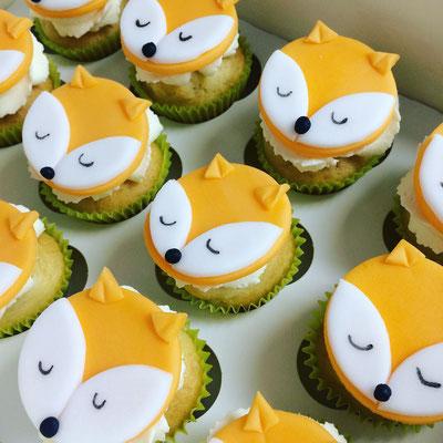 Cupcakes renarde baptême Alice par Esquimo et Pinata