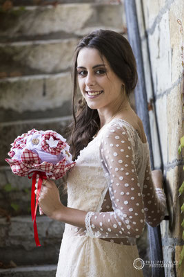 Mariage Guinguette le 19 octobre 2017. Bouquet original en tissu par La mariée en fleur. Crédit photo: Philippe Calvo