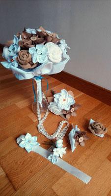 Collection Magali par La mariée en fleur. Bouquet de mariée original et accessoires assortis en fleurs en tissus et origami pour un mariage naturel en tons neutres avec du coton blanc, de la toile de jute et du papier kraft