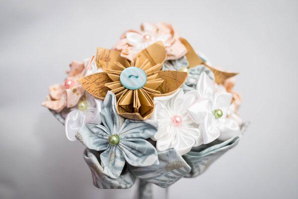 Bouquet de mariée fleurs en tissu et origami or, menthe et rose poudré La mariée en fleur. Bouquet de marié original et intemporel