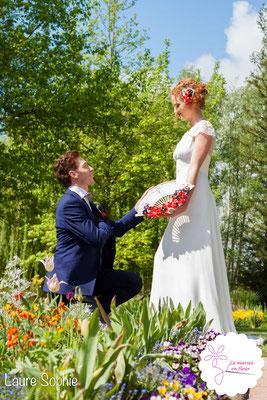 Mariage de la reine de coeur le 25 avril 2016 à Toulouse. Eventail floral mariée, bijou de tête et boutonnière La mariée en fleur