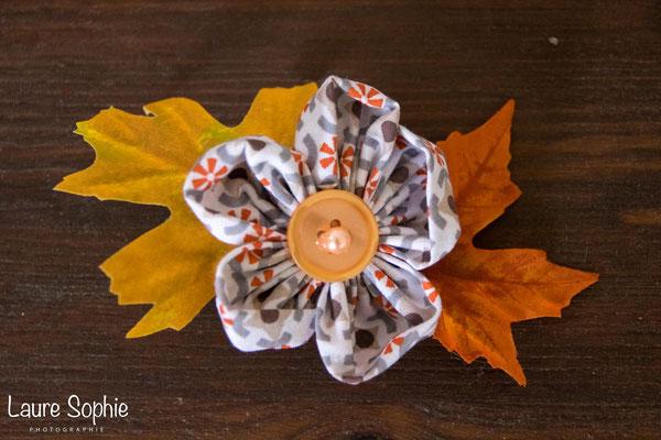 Barrette à chignon mariage d'automne en fleurs en tissu et feuilles d'arbre