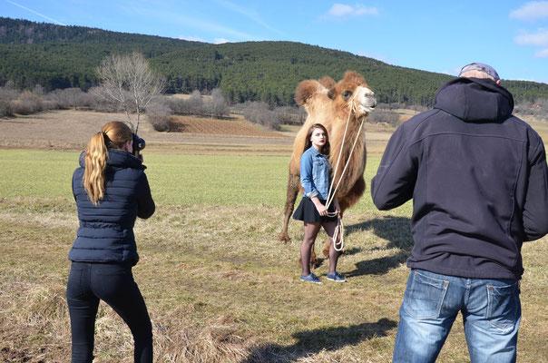 Anna Grünauer Kamele Österreich Shooting
