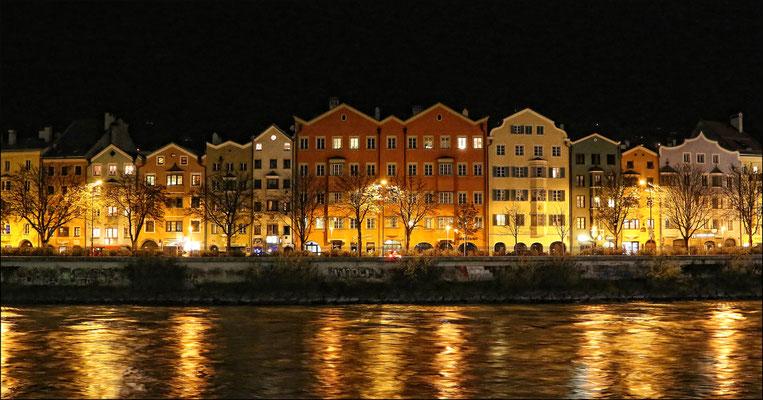 KUEN Andreas, Hötting in Innsbruck - vom Marktplatz  aus fotografiert