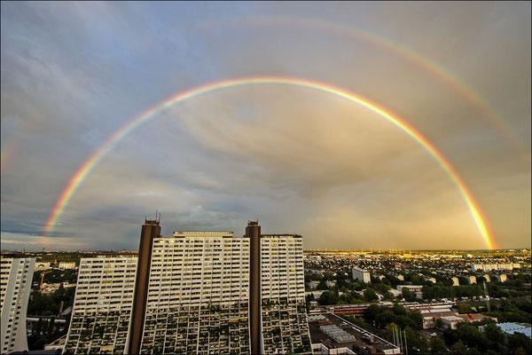 © Peter Mayer, Wien, Regenbogen über Alterlaa