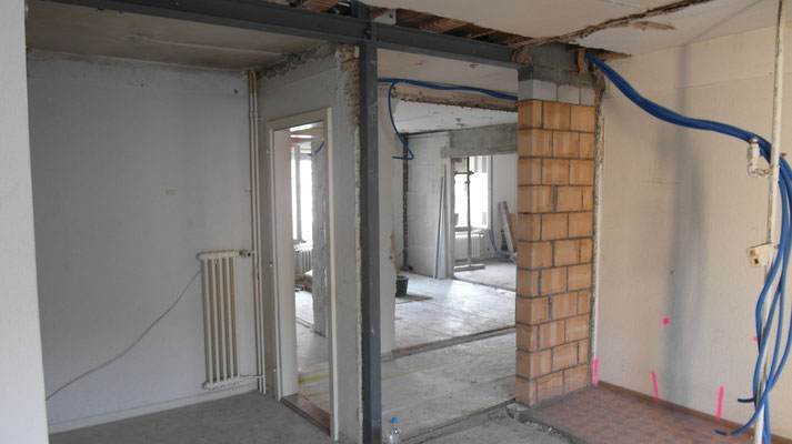 Baumeisterarbeiten/ Einbau Stahlkonstruktion