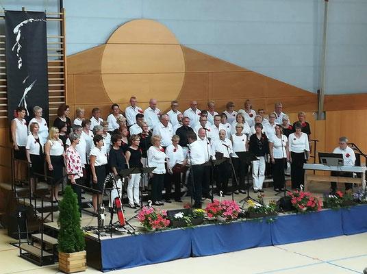 Großziethener Scheunenchor zusammen mit dem Gemischten Chor Mahlow
