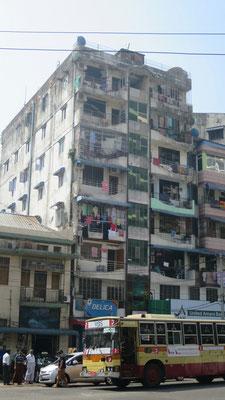 Noch viele alte Häuser auch wenn überall neu gebaut wird.