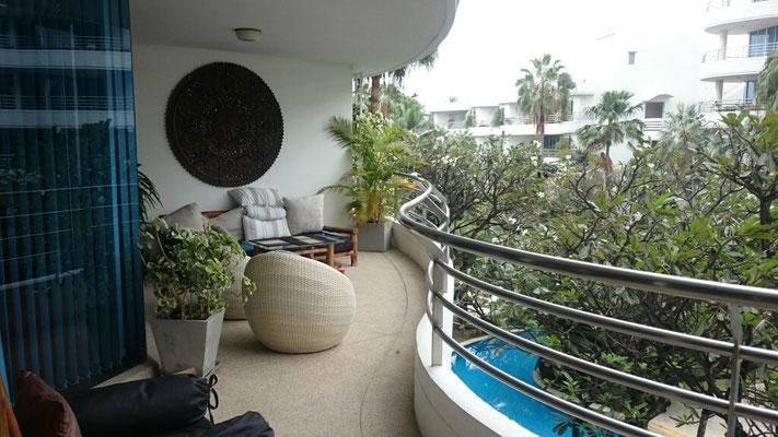 Schöner großer Balkon