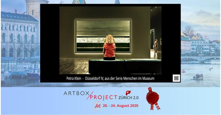"""""""Düsseldorf IV"""" aus der Serie Menschen im Museum auf der SwissArtExpo 2020"""