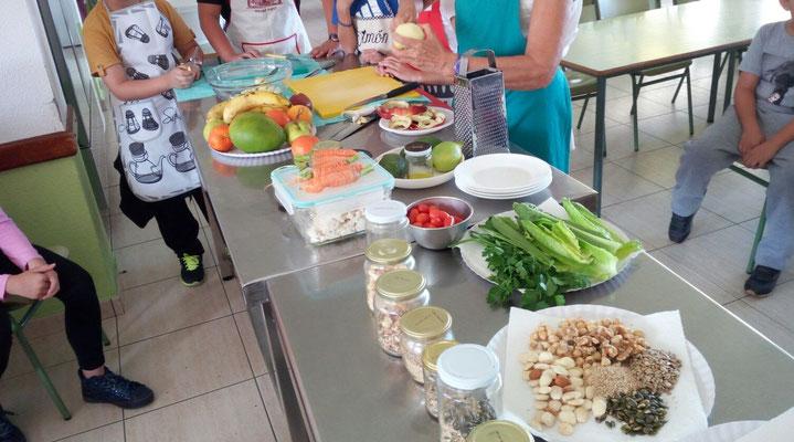Una muestra de productos para el taller de desayunos saludables