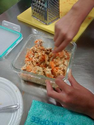 Haciendo el paté de tofu y atún