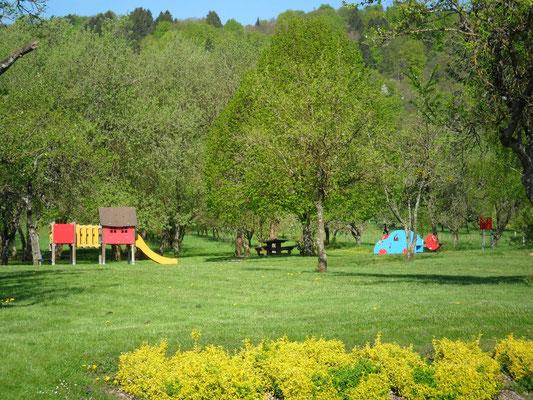 Le village d'Heudicourt sous les Côtes