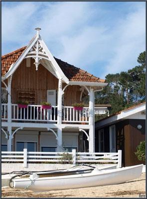 Maisons sur la plage, village de L'Herbe, Bassin d'Arcachon (33)
