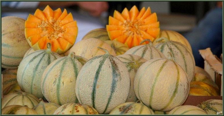 Marché de Provence, mardi matin à Vaison-la-Romaine, Haut Vaucluse (84), étal de melons