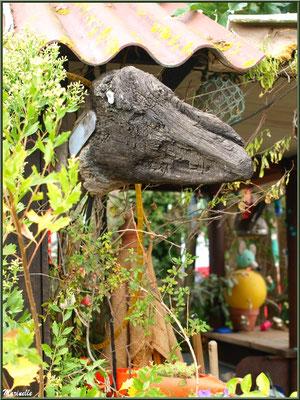 Bois flotté en tête d'animal préhistorique en guise de déco, Village de L'Herbe, Bassin d'Arcachon (33)