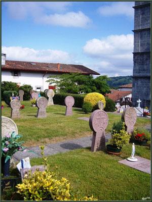 Aïnoha : le cimetière et ses stèles discoïdales (Pays Basque français)