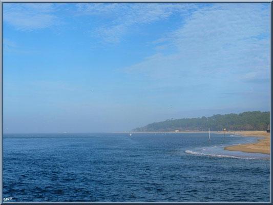 Le Bassin et la plage du Moulleau à Arcachon depuis la jetée