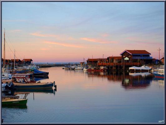 Port de Larros au soleil couchant