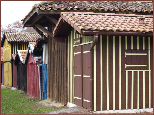 Cabanes colorées au port de Biganos (Bassin d'Arcachon)