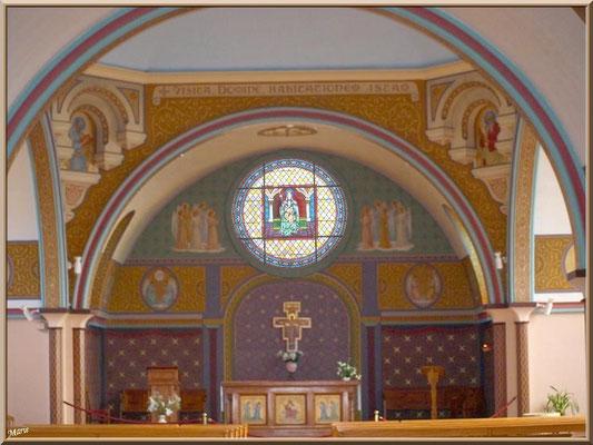 L'église Notre-Dame des Passes au Moulleau à Arcachon, autel et nef