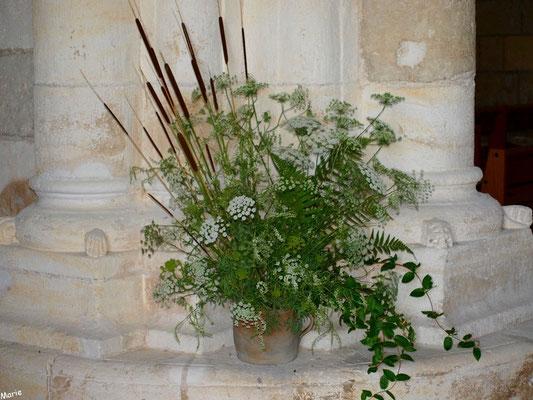 Eglise Sainte Radegonde de Talmont-sur-Gironde (Charente-Maritime) : bouquet floral