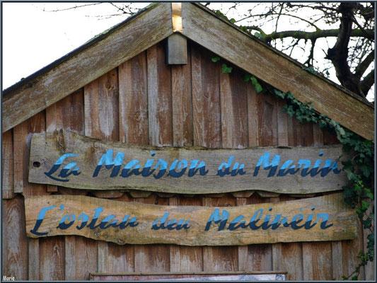 """Cabane """"La Maison du Marin"""" au port ostréicole de La Teste de Buch (Bassin d'Arcachon)"""