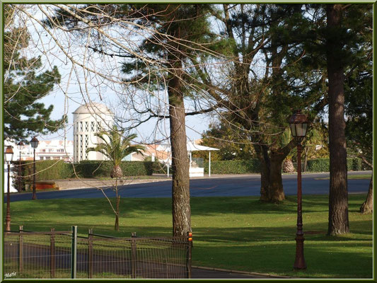 """Le Parc Mauresque et son ascensdeur en """"Ville d'Hiver"""" à Arcachon"""