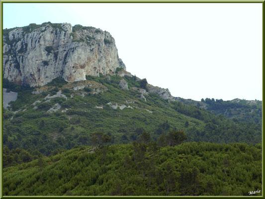 Le massif de La Caume dans les Alpilles (Bouches du Rhône)