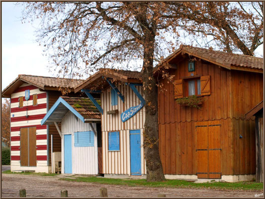 Alignement de cabanes colorées au port de Biganos (Bassin d'Arcachon)