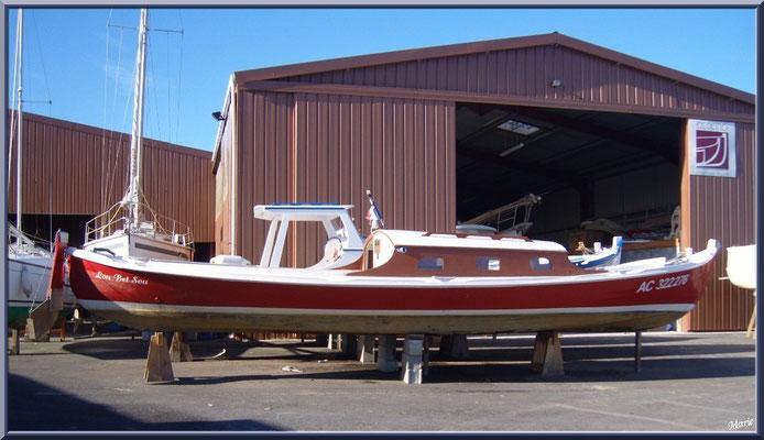 Pinasse et bateaux au chantier naval Debord