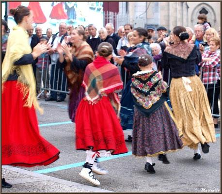 Danseuses Aragonaises, Fête au Fromage, Hera deu Hromatge, à Laruns en Vallée d'Ossau (64)