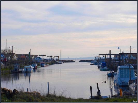 Le port d'Arès à marée haute (Bassin d'Arcachon)