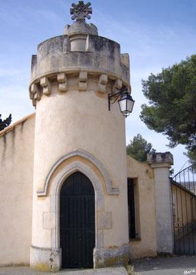 Tourelle au portail de l'entrée principale