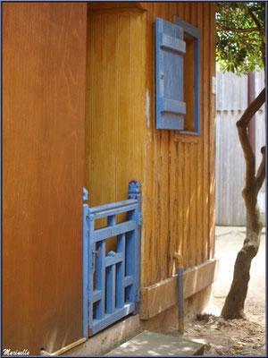 Maison dans une ruelle, Village de L'Herbe, Bassin d'Arcachon (33)