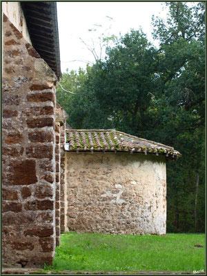 Eglise St Michel du Vieux Lugo à Lugos (Gironde) : façade Sud et l'aile droite du choeur