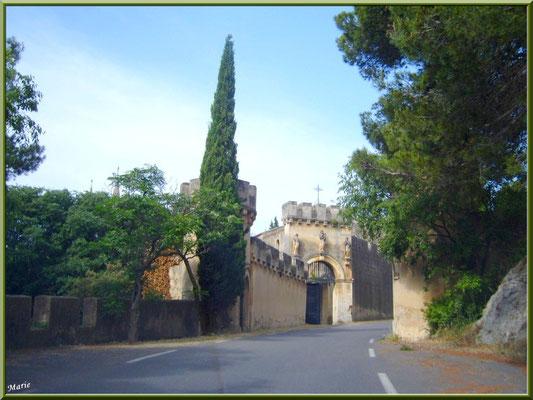 L'abbaye vue de la route arrière
