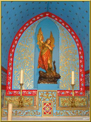 Autel et statue de Saint-Michel