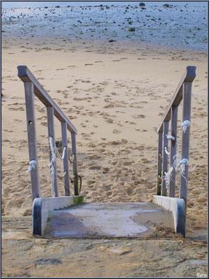 Escalier vers la plage