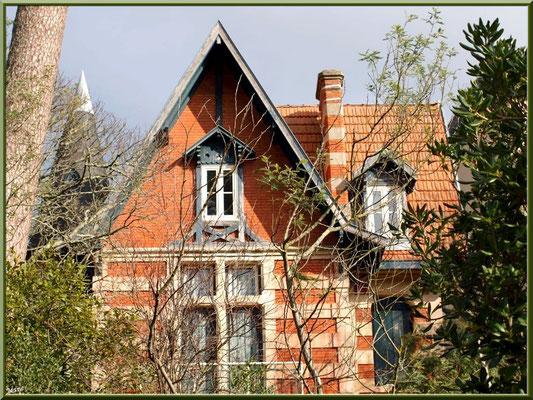 """Villa """"Volcy"""" en """"Ville d'Hiver"""" à Arcachon"""