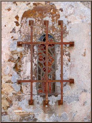 Eglise St Michel du Vieux Lugo à Lugos (Gironde) : baie Romane, côté Nord