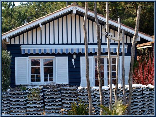 Maison typique en bois dans le village ostréicole du Cap Ferret
