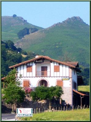 Maison à l'entrée du village de Zugarramurdi (Pays Basque espagnol)