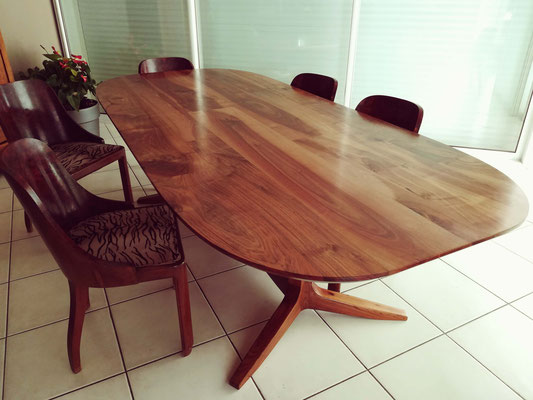 HANS table en noyer français massif 250x110cm