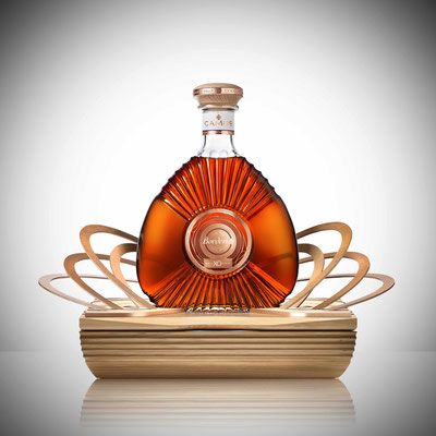 design & réalisation d'un coffret présentoir pour le Cognac Camus XO Borderies / chêne et cuivre