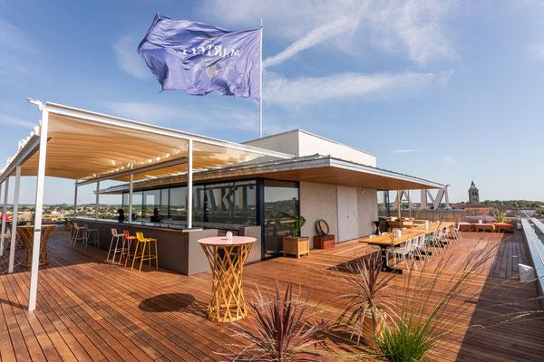 réalisation de tables FRACTAL sur mesure pour le bar rooftop de la fondation Martell à Cognac