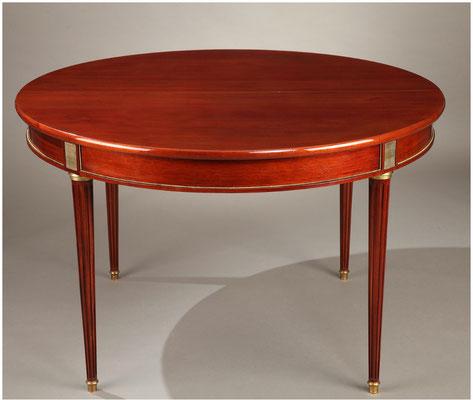 copie d'une table de style Louis XVI en acajou avec 3 rallonges / travail sur mesure